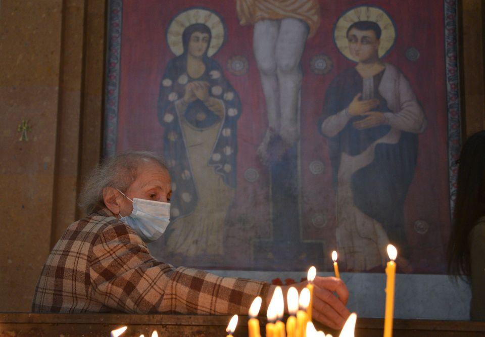 Ένα κερί και προσευχή...