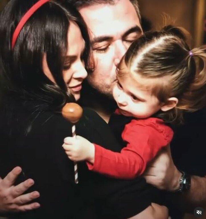 Η κόρη του Αντώνη Ρέμου και της Υβόννης Μπόσνιακ έγινε έξι χρονών