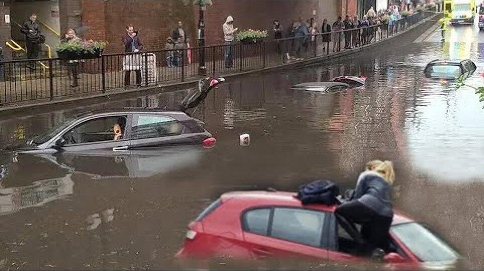 Το Λονδίνο πλημμύρισε!