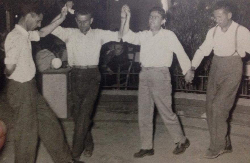 Αλβανοι-φυγαδες-Λαυριο_1950